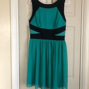 En Focus Cocktail dress (mint green& navy blue)